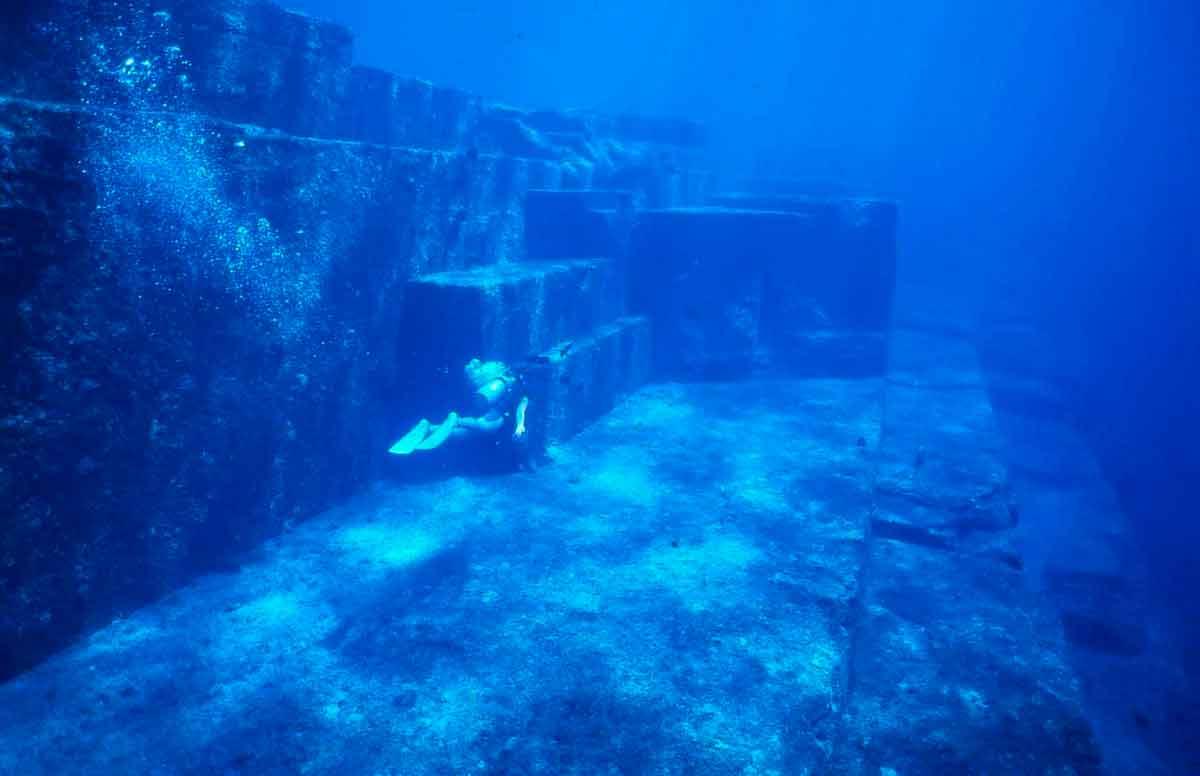 Подводные пирамиды у берегов Японии