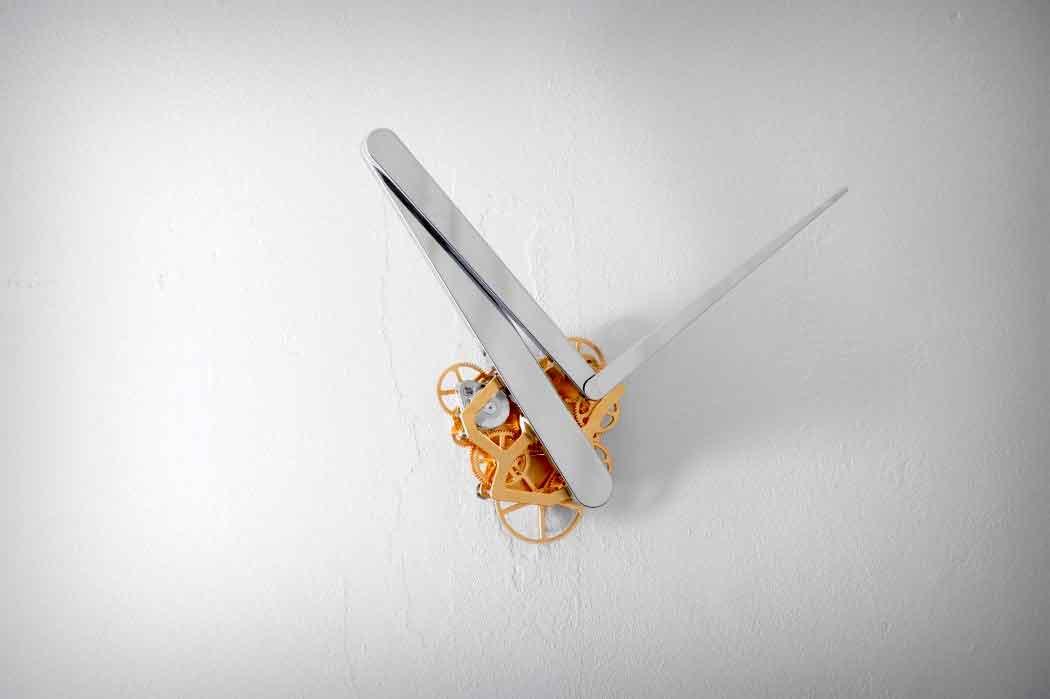 Дизайн часов с линейным временем.
