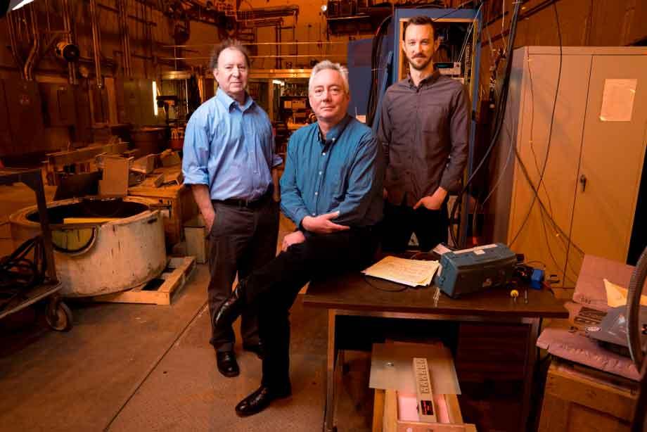 В MIT надеются превратить образцы промышленных сверхпроводников в электромагниты для термоядерного реактора за три года. Источник: Bryce Vickmark