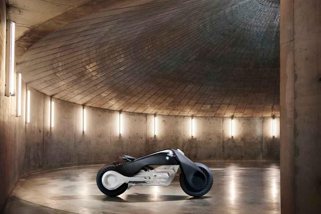 Новый концепт автономного мотоцикла от BMW