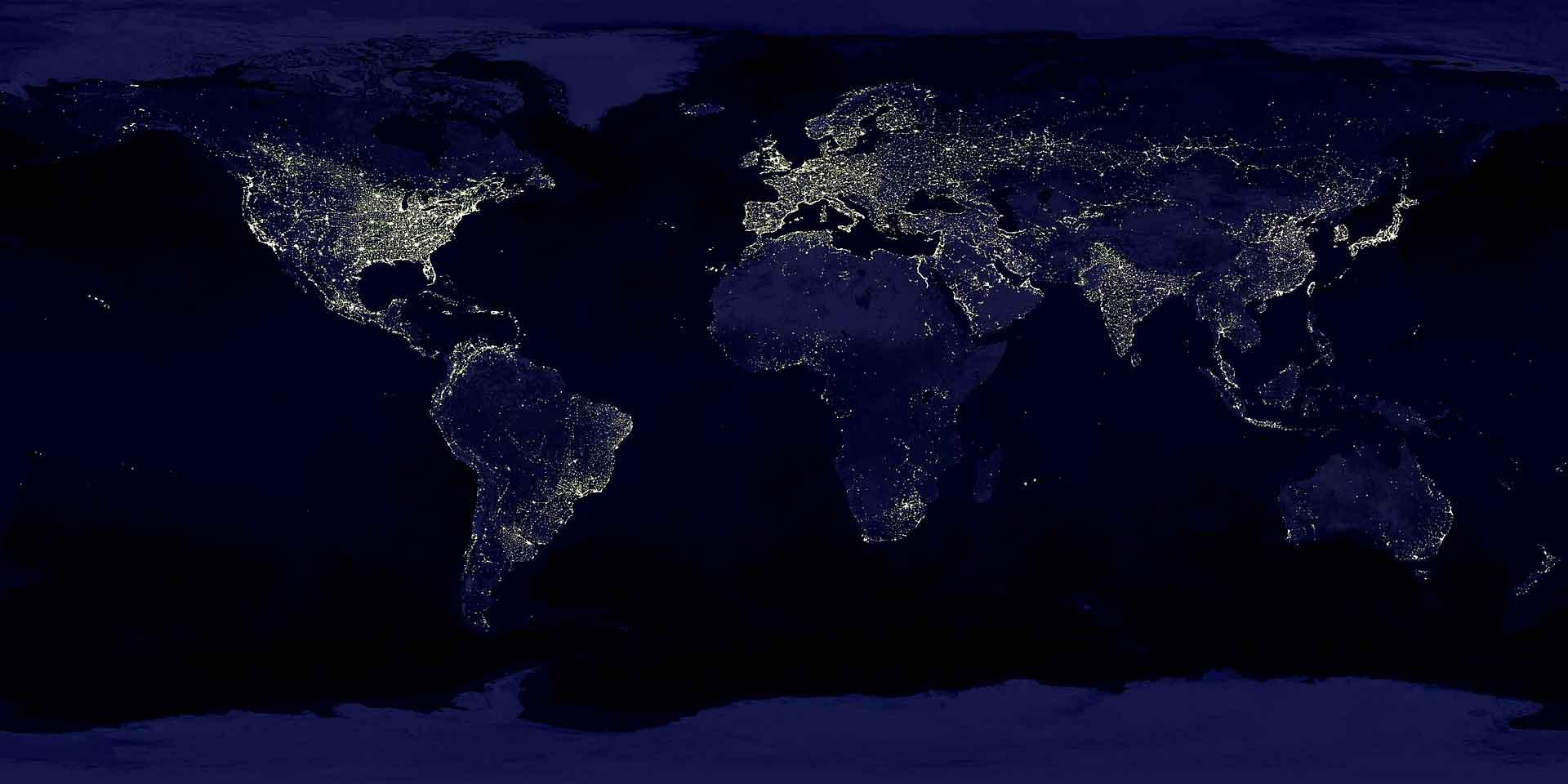 Ночная Земля становится светлее
