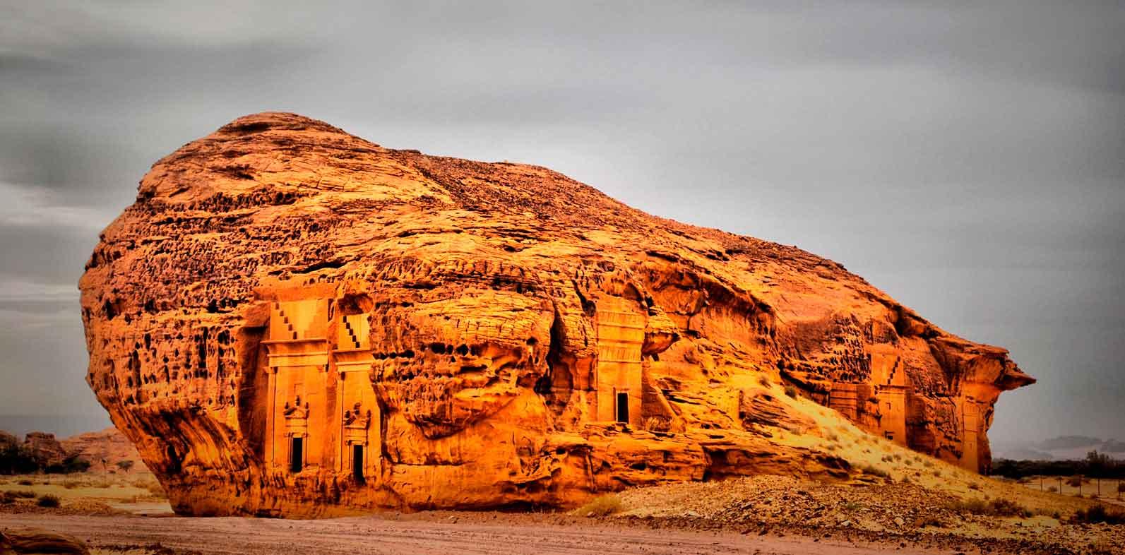 Дом в скале: слияние природы и архитектуры