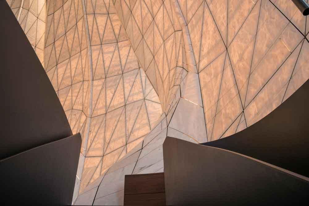 Удивительный храм Bahá'í из стекла и мрамора выдвинут на Международную премию RAIC