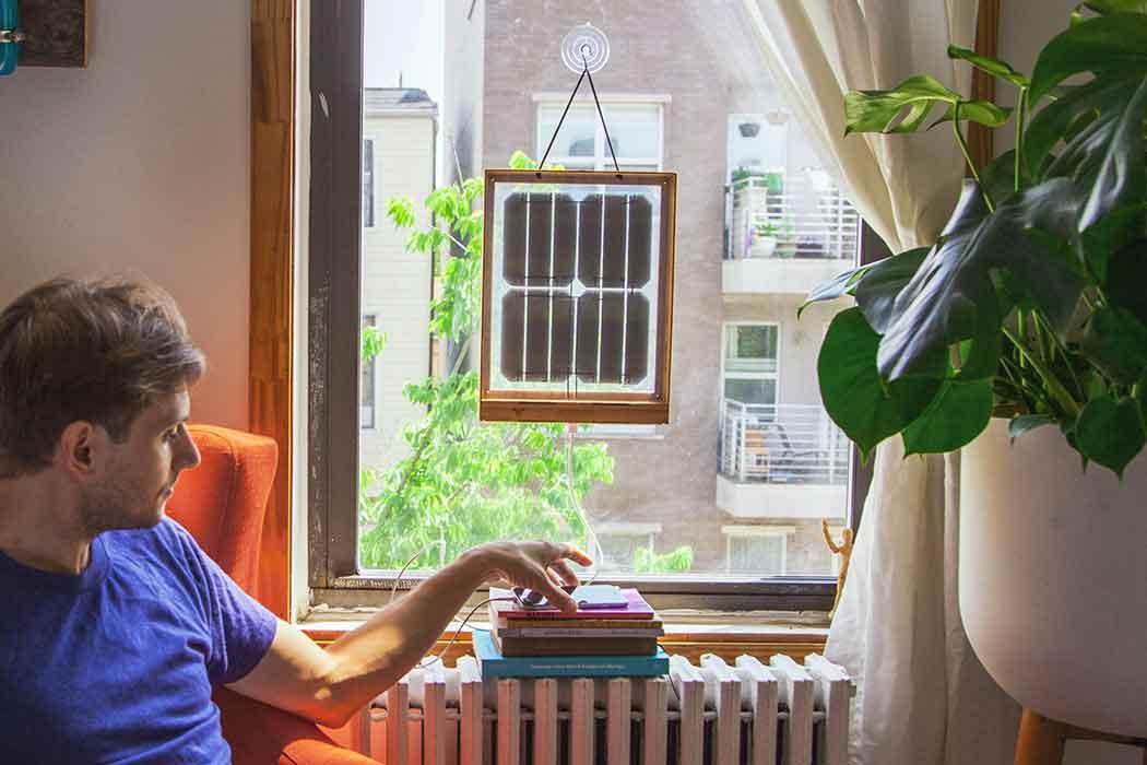 Солнечная батарея на окне