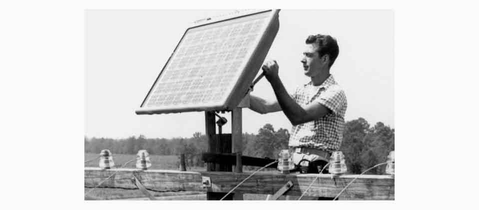 Старая модель батареи солнечной