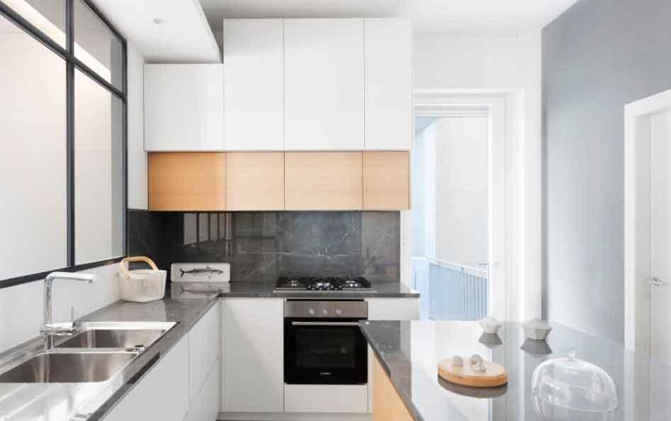 Кухня в апартаментах Plus Ultra
