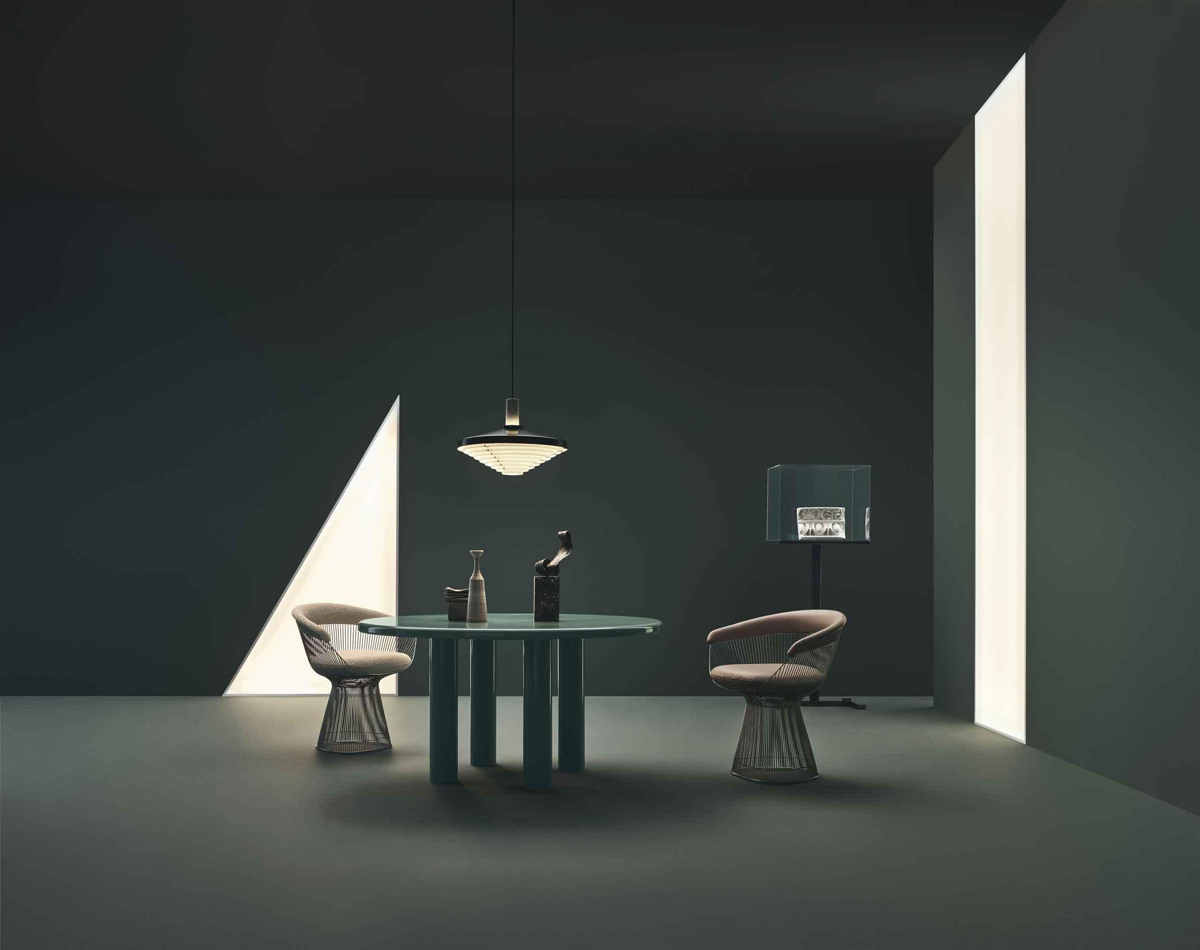 Коллекция столов с влагостойким эмалевым покрытием от Knoll
