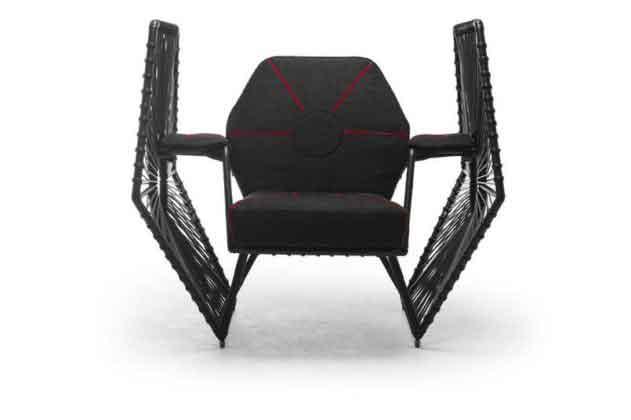 Кресло в форме истребителя из «Звездных войн»