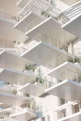 Балконы башни L'Arbre Blanc