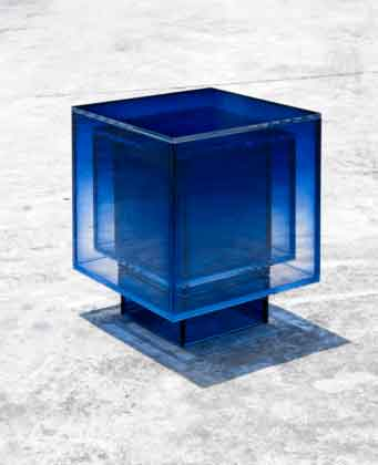 стол из стекла из коллекции buzao NULL