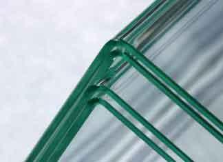 Немецкая технология гнет листы стекла под прямым углом