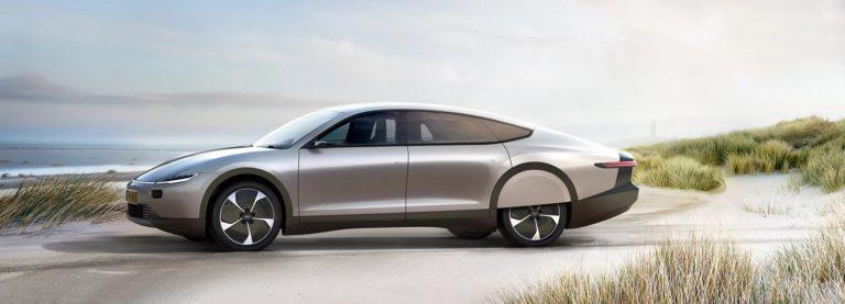 Lightyear One – первый в мире солнечный автомобиль дальнего хода