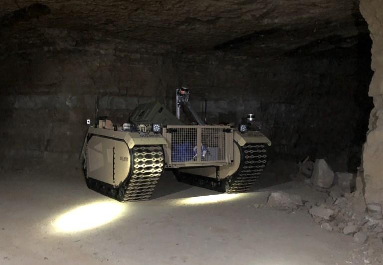 UGV, оборудованный LiDAR, осматривает заброшенную шахту