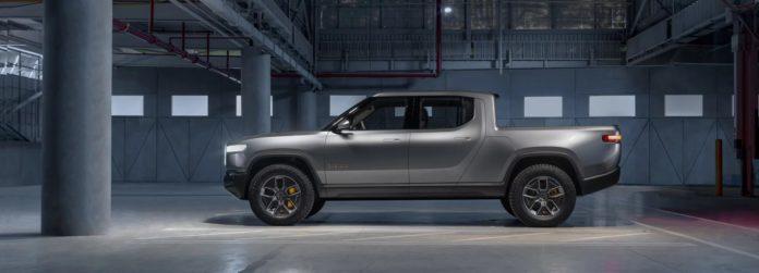 Электрический пикап Rivian R1T будет оснащен зарядкой от «автомобиля к автомобилю»